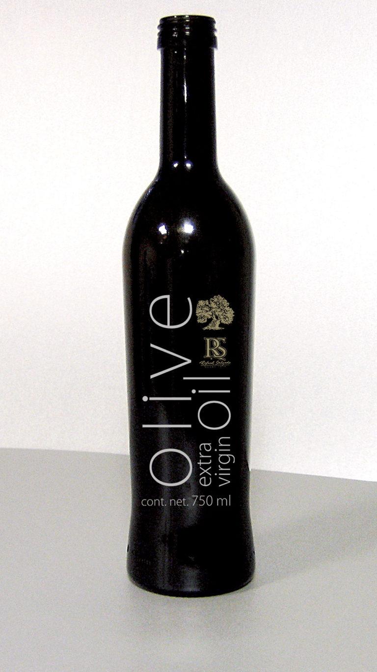 Diseño de botella y etiqueta aceite de oliva premium